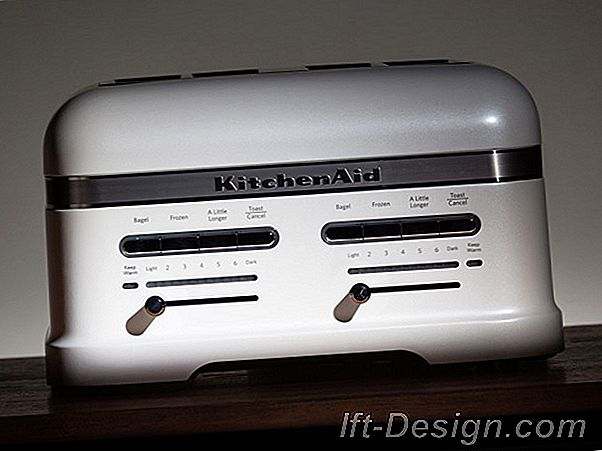KitchenAid Pro Line Toaster: The Bread Lift